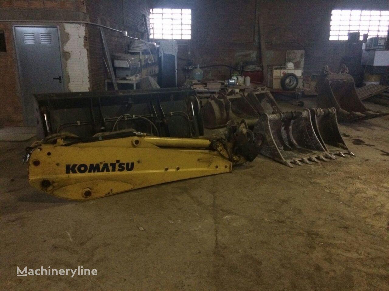 KOMATSU WB93 ekskavatora kauss pēc avārijas