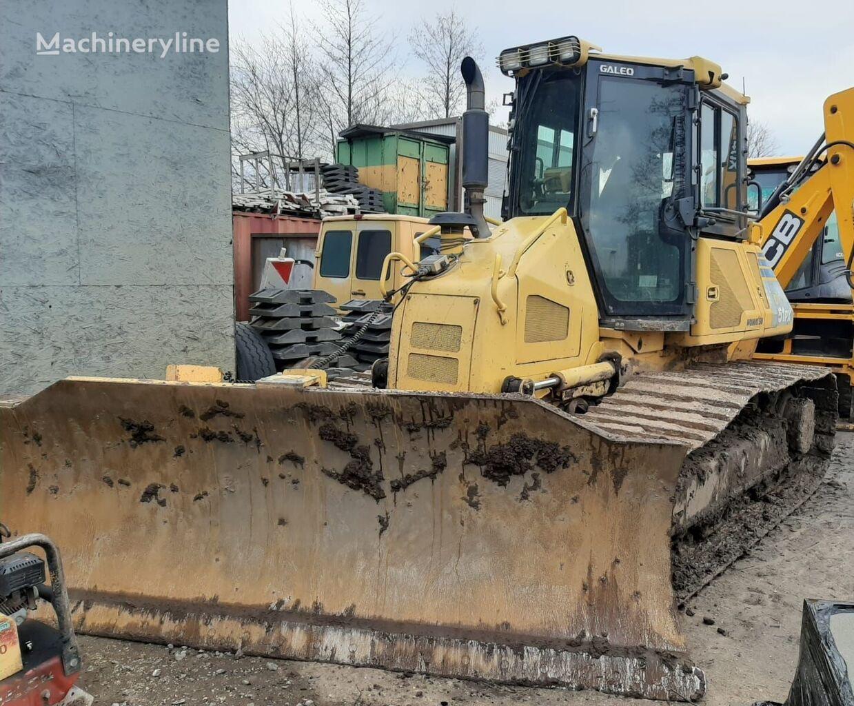 KOMATSU D51PX22 buldozers