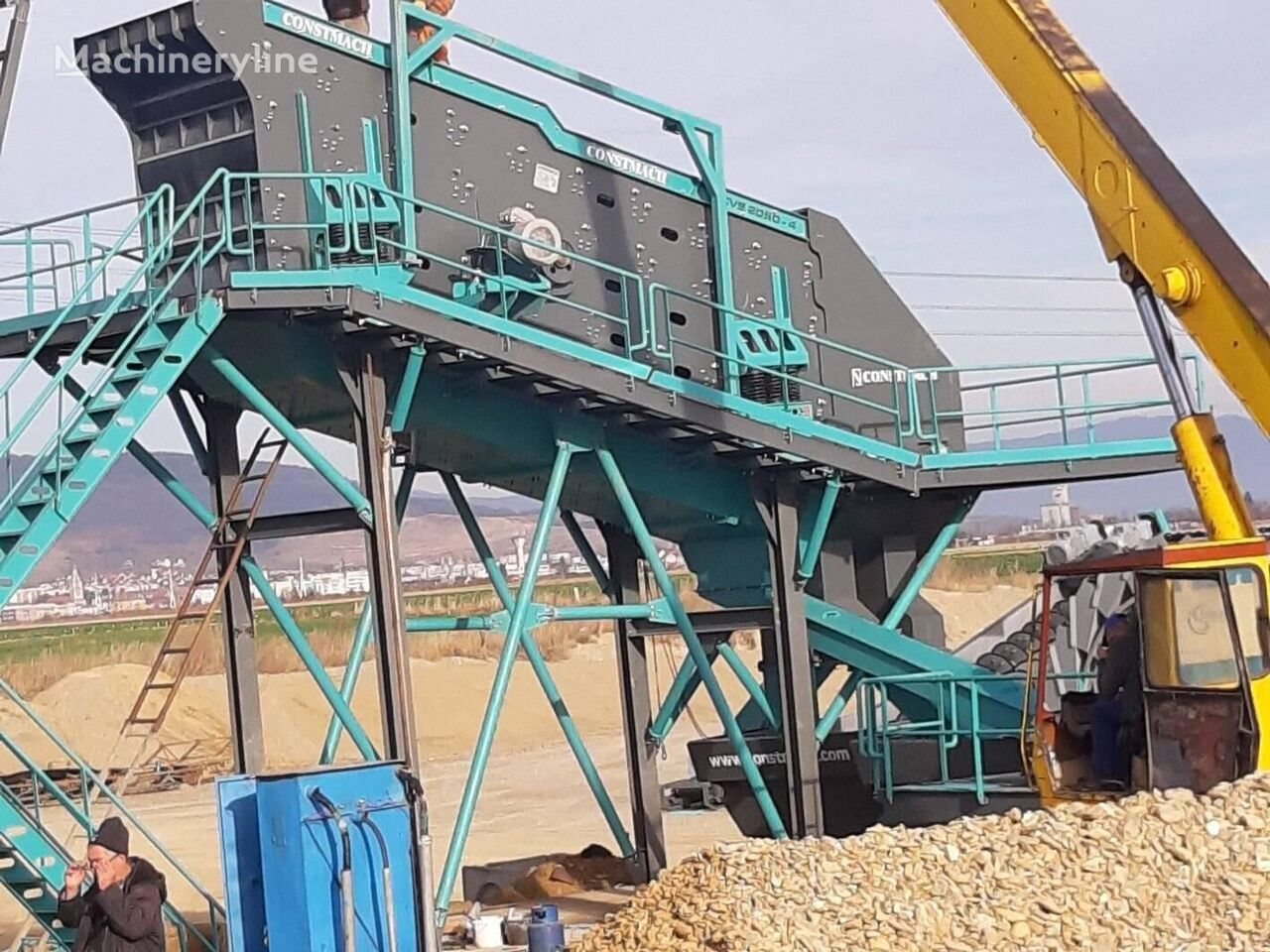 jauns CONSTMACH 2 x 6 meters VIBRATING SCREEN – 250 – 300 TPH CAPACITY vibrosiets