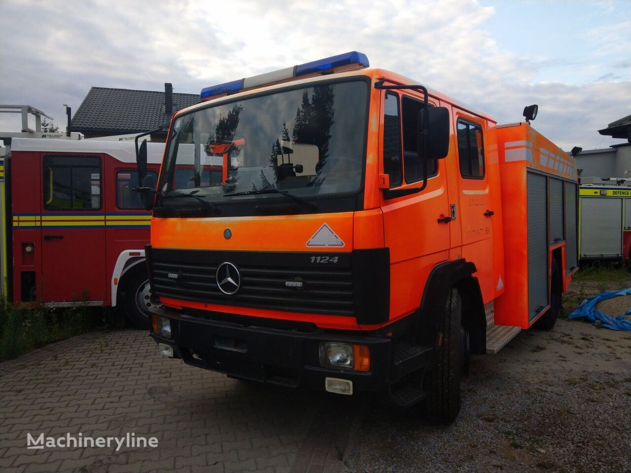 MERCEDES-BENZ 1124F  ugunsdzēsēju mašīna