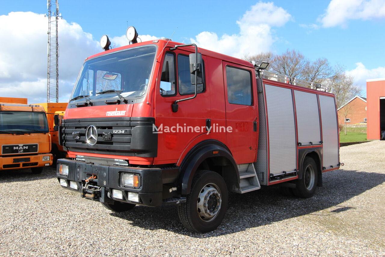 MERCEDES-BENZ 1234 AF 4x4 2.500 L /200L ROSENBAUER ugunsdzēsēju mašīna