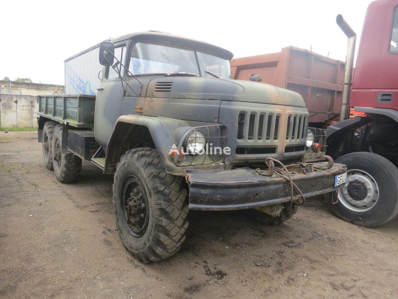 ZIL 131 bortu kravas automašīna