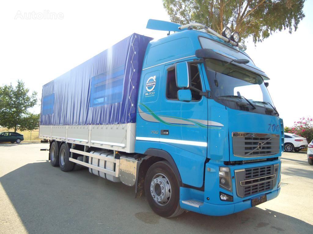 VOLVO FH 700 XL kravas automašīna ar aizkariem