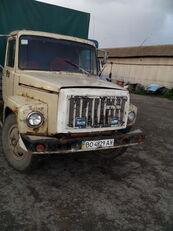 GAZ 3307 kravas automašīna ar tentu