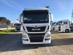 MAN TGX 26.470 LAMBERET kravas automašīna furgons