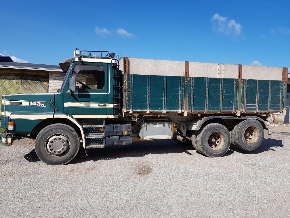 SCANIA 143 6x2 tipper  kravas automašīna graudu pārvadāšanai